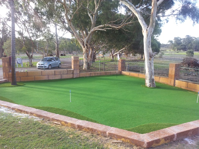 PUTTING GREEN PERTH SYNTHETIC TURF